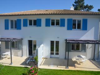 Appartement Tribord avec terrasse dans villa - Saint-Trojan les Bains vacation rentals