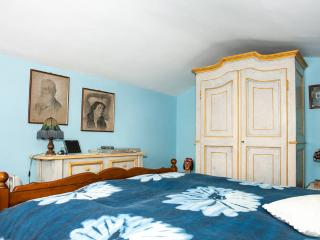 Blue Room in Bed & Breakfast Villa Mirano - Piossasco vacation rentals