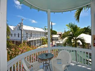 Duval Heaven - Gorgeous Condo Just Steps to Duval St! Huge Balcony! - Key West vacation rentals