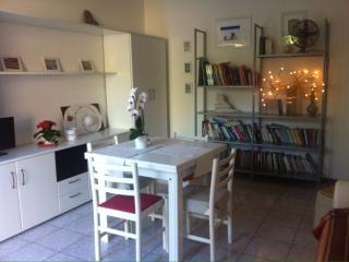 Appartamento ammobiliato Borgo di Falconara Alta - Falconara Marittima vacation rentals