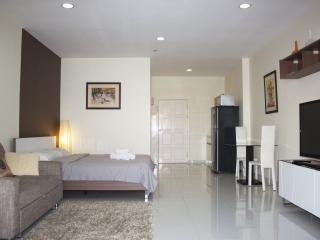 Studio 441/71 in condo View Talay 3B - Pattaya vacation rentals