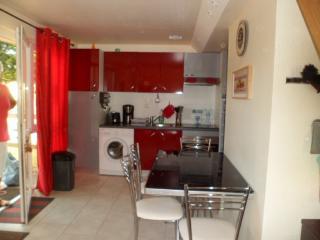2 bedroom House with Parking in Royere-de-Vassiviere - Royere-de-Vassiviere vacation rentals
