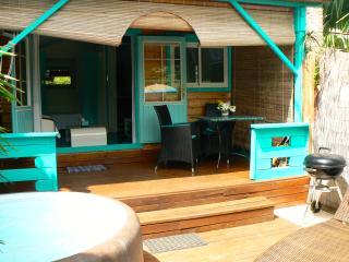 BUNGALOW LE JENJU II avec jardin et jacuzzi privés - La Saline les Bains vacation rentals