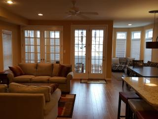 A few-minute walk from boardwalk/beach - Ocean City vacation rentals