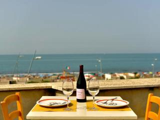 Lovely Townhouse with Internet Access and Waterfront - Lido di Ostia vacation rentals