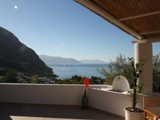 1 bedroom House with Television in Leni - Leni vacation rentals