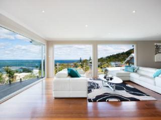 Spacious 4 bedroom House in Scarborough - Scarborough vacation rentals