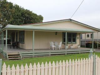 Beach Holiday Cottage  2 Bedrooms - Apollo Bay vacation rentals