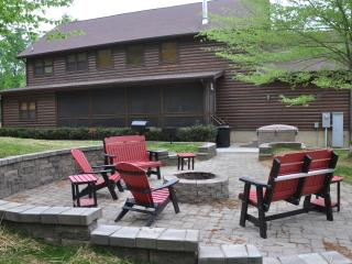 Log Cabin, pigeon forge, gameroom, firepit, hottub - Sevierville vacation rentals