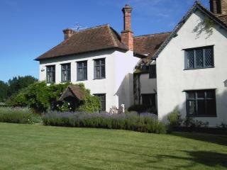 Stonehenge, Avebury, Salisbury, Bath - Market Lavington vacation rentals