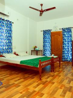 Heather Standard Deluxe Double Room Non AC - Kochi vacation rentals