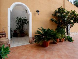 La Mimosa B&B ( intera struttura) - Ballata vacation rentals
