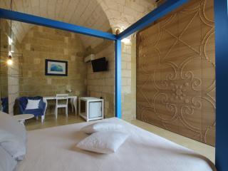 DON AGOSTINO-Camera PARATURA - Martano vacation rentals