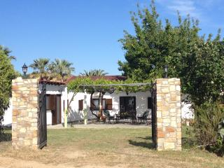 Comfortable Cottage with Internet Access and A/C - Sarti vacation rentals