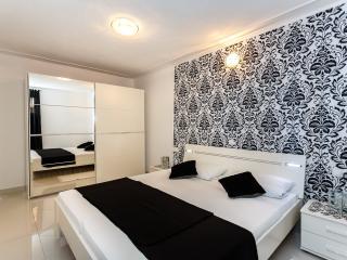 Neu und moderne FeWo Intimo, nur 300 vom Strand ! - Malinska vacation rentals