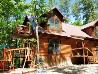 Bear Creek Lodge minutes from Broken Bow Lake!! - Broken Bow vacation rentals