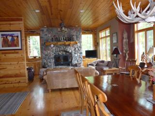 Gorgeous large lakefront log Cabin - Minocqua vacation rentals
