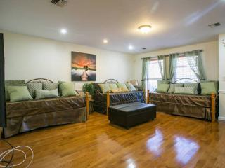 3 bedroom duplex/ 2 bath/ full kitchen for cooking - Brooklyn vacation rentals