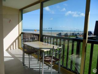 Nice Condo with Satellite Or Cable TV and Parking - Villers-sur-Mer vacation rentals