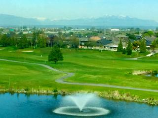 Vancouver Luxury Golf Resort - Steps to the Sea - Vancouver vacation rentals