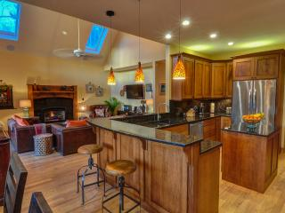 Highclere Mountain Retreat near downtown Asheville - Asheville vacation rentals