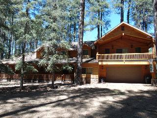 Beutiful Log Home on the Fairway - Pinetop vacation rentals