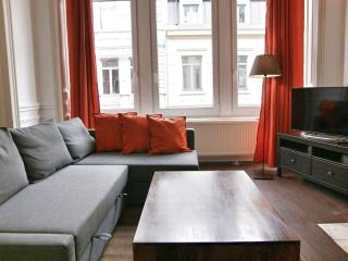 Antoine VI apartment in Brussel centrum with WiFi & lift. - Brussels vacation rentals