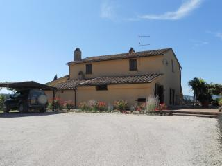Old farmhouse in the Val d'Orcia - Sarteano vacation rentals