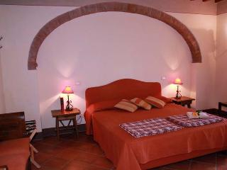 Lovely Condo with Internet Access and Shared Outdoor Pool - Sant Ippolito vacation rentals