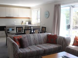 Comfortable Condo with Dishwasher and Kettle - Falls Creek vacation rentals