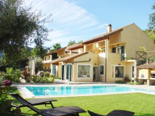 Villa Maniglio, a paradise in the countryside for your holiday of golf and sea - Garlenda vacation rentals