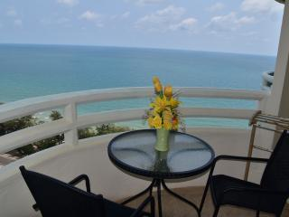 Nice Condo with Internet Access and A/C - Phe vacation rentals