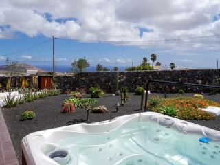 Holiday Cottage Finca Aloe * Jacuzzi & Sea views - Teseguite vacation rentals