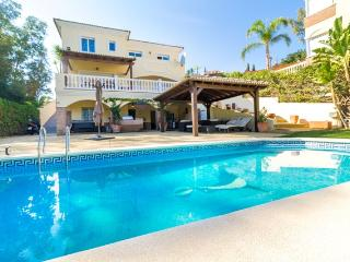 Stunning 5 Bedroom Villa in Secluded Location - Fuengirola vacation rentals