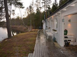 Luxury at the lake, own electric boat and bikes. - Vetlanda vacation rentals