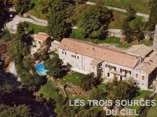 Maison dans nature luxuriante, bord riviere - Rochessauve vacation rentals
