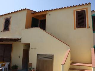 appartamento in villa 1° piano - Torre dei Corsari vacation rentals