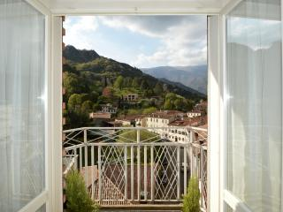 Apartment with amazing view of the Prosecco Hills - Vittorio Veneto vacation rentals