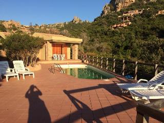 villetta SOLE 1 CON PISCINA DA 2 A 18 PERSONE - Costa Paradiso vacation rentals