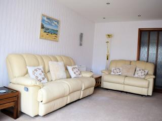 Bungalow with garden in Inverness - golf nearby - Inverness vacation rentals