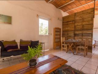 Apartment San Pancho, nice area, quiet, a/c, wifi. - San Pancho vacation rentals