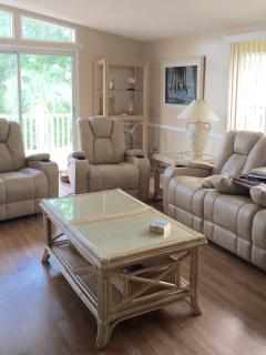 Newly renovated rental - mintues from beach! - Surfside Beach vacation rentals