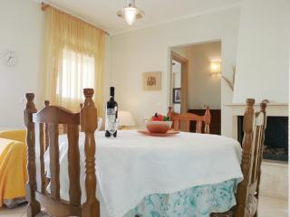 Cozy 2 bedroom Apartment in Kalithea - Kalithea vacation rentals