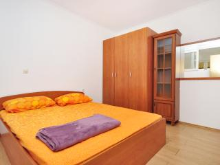 2 bedroom House with Internet Access in Podstrana - Podstrana vacation rentals
