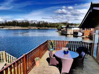 Nice Lodge with Deck and Internet Access - Lake District vacation rentals