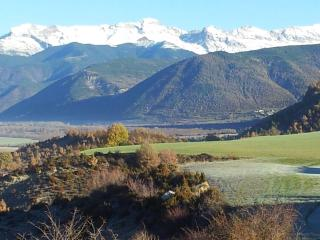 GOLF & SKI RELAX...VALLE DE TENA - ARAGON PIRINEES - Sabinanigo vacation rentals