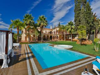 15 bedrooms villa. Best location on the seaside - Marbella vacation rentals