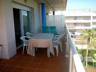 Two bedrooms penthouse apartment - Roses vacation rentals