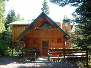 """Swan Peaks"" Log Cabin Chalet - Lovely Mtn Views - Bigfork vacation rentals"