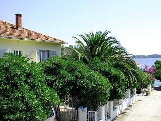 Nice House with Internet Access and Television - Kuciste vacation rentals